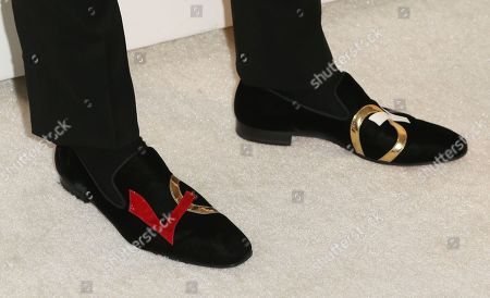 Colton Haynes shoe detail