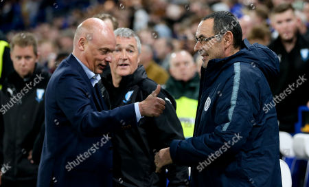 Malmo FF manager Uwe Rosler gives Chelsea Manager Maurizio Sarri the thumbs up