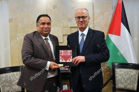 Palestinian Prime Minister, Rami Hamdallah, meets with Indian Ambassador to Palestinian Territories Sunil Kumar