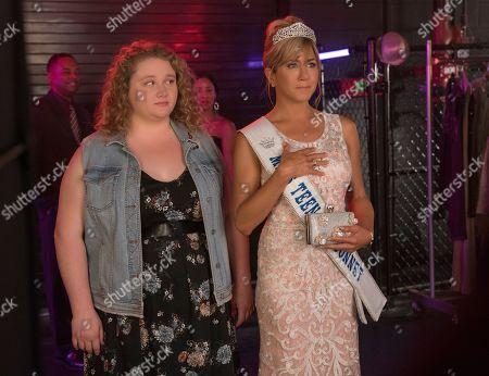Danielle Macdonald as Willowdean and Jennifer Aniston as Rosie