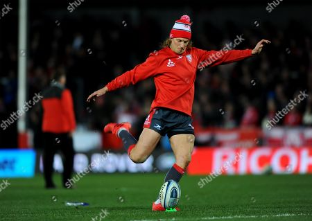 Billy Twelvetrees of Gloucester Rugby warms up