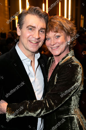 Alexander Hanson (Ben Stone) and Samantha Bond