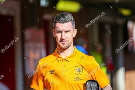 Hull City defender Liam Ridgewell (36) arrives ahead of the during the EFL Sky Bet Championship match between Brentford and Hull City at Griffin Park, London