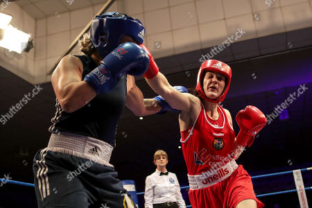 60kg ñ Women's Lightweight. Kelly Harrington (red) vs Jelena Jelic (blue). Kelly Harrington and Jelena Jelic