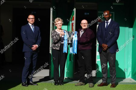 The Carabao Cup fans tour around Wembley Stadium with Paul Dickov and Jimmy Floyd Hasselbaink