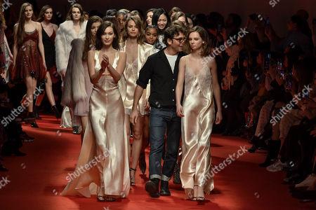 Bella Hadid Birgit Kos Giselle Norman Lorenzo Serafini on the catwalk