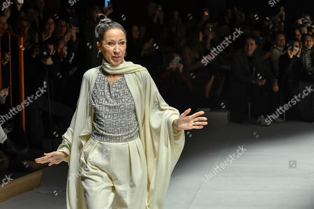 Pat Cleveland on the catwalk