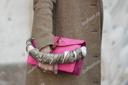 Street style - handbag detail