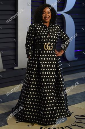 Shonda Rhimes arrives at the Vanity Fair Oscar Party, in Beverly Hills, Calif