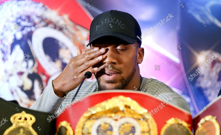 Anthony Joshua wipes his eye - Anthony Joshua & Jarrell Miller Press Conference ahead of their fight at Madison Square Garden on 01/06/2019 Anthony Joshua & Jarrell Miller Press Conference ahead of their fight on 01/06/2019 at Madison Square Garden.