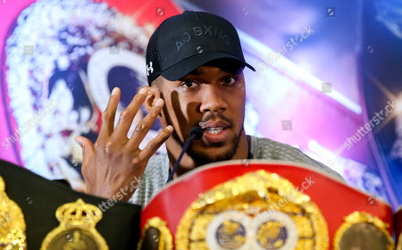 Anthony Joshua shows us is gnarled hands  Anthony Joshua & Jarrell Miller Press Conference ahead of their fight at Madison Square Garden on 01/06/2019 Anthony Joshua & Jarrell Miller Press Conference ahead of their fight on 01/06/2019 at Madison Square Garden.
