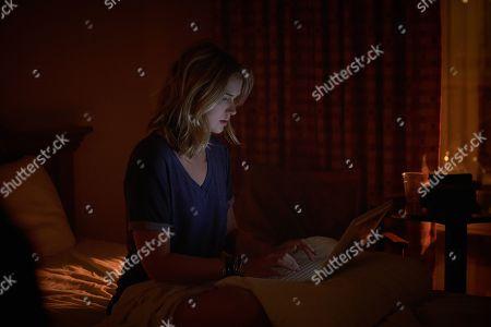 Elizabeth Lail as Guinevere Beck