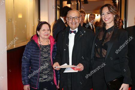 Julia Vignali and the parents of Kad Merad