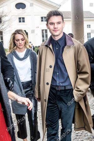 Jeremy Irvine, Jodie Spencer