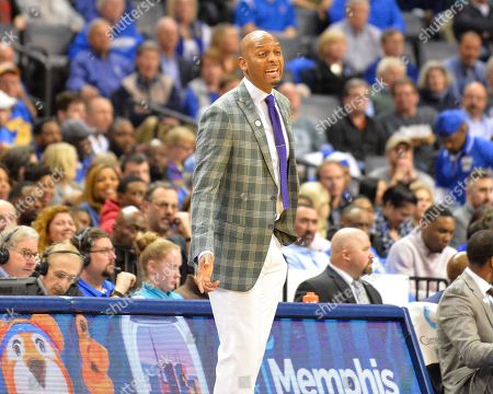 Memphis Tigers Head Coach, PENNY HARDAWAY, on the sidelines, during the NCAA basketball game between the Temple Owls and the Memphis Tigers at the Fed Ex Forum in Memphis, TN. Memphis defeated Temple, 81-73. Kevin Langley/Sports South Media/CSM