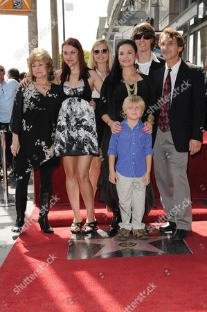 Crystal Gayle with Family and Sister Peggy Sue Wright