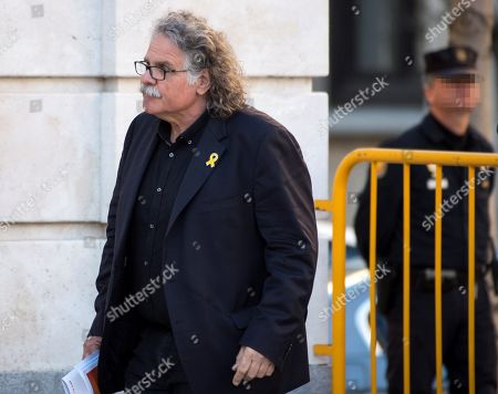 Catalan party ERC's MP Joan Tarda (C) arrives in the Spanish Supreme Court to testify as witness in a new session of the trial of the so-called 'proces' case against 12 Catalan pro-independence politicians involved in the illegal referendum held back in 2017, in Madrid, Spain, 27 February 2019. Several witnesses, including former Prime Minister Mariano Rajoy, former Deputy Prime Minister Soraya Saenz de Santamaria and former Catalan regional President Artur Mas, are expected to testify later  in the day.