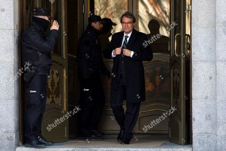 Former Catalan regional President Artur Mas (C) leaves the Spanish Supreme Court after he testified as witness in a new session of the trial of the so-called 'proces' case against 12 Catalan pro-independence politicians involved in the illegal referendum held back in 2017, in Madrid, Spain, 27 February 2019. Several witnesses, including former Prime Minister Mariano Rajoy, former Deputy Prime Minister Soraya Saenz de Santamaria, are expected to testify later in the day.