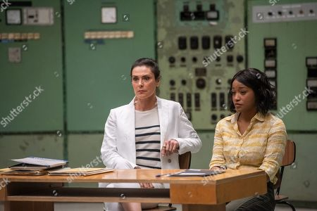 Michelle Forbes as Valerie Edwards and Keke Palmer as April Lewis
