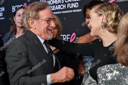 Steven Spielberg and Kate Hudson