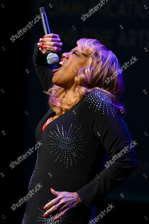 Honoree Jennifer Holliday performs