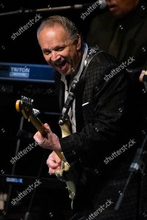 Jimmie Vaughan performs