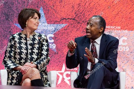 US Secretary of Housing and Urban Development Ben Carson (R) and Republican Representative of Washington Cathy McMorris Rodgers (L) speak at the 46th annual Conservative Political Action Conference (CPAC) at the Gaylord National Resort & Convention Center in National Harbor, Maryland, USA, 28 February 2019. The American Conservative Union's CPAC continues through 02 March.