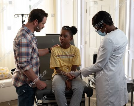 Mark-Paul Gosselaar as Brad Wolgast, Saniyya Sidney as Amy Bellafonte and Caroline Chikezie as Dr. Major Nichole Sykes