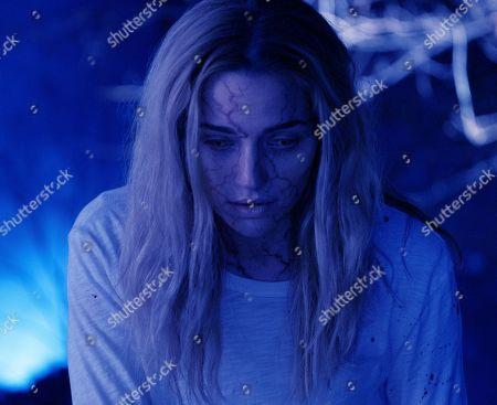 Brianne Howey as Shauna Babcock