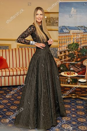 Elle Macpherson poses for the media prior to the 63rd Vienna Opera Ball at the Grand Hotel in Vienna, Austria, 28 February 2019. Macpherson will accompany Austrian businessman Richard Lugner to the traditional Vienna Opera Ball later this evening.