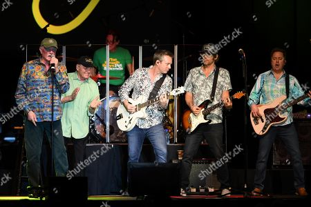 Bruce Johnston, Mike Love, Jeff Foskett, Christian Love, John Cowsill, Keith Hubacher, Scott Totten