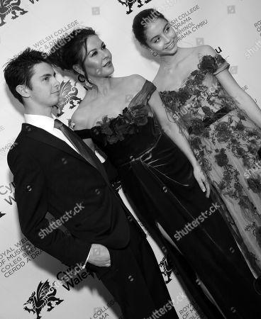 Stock Photo of Dylan Michael Douglas, Catherine Zeta-Jones and Carys Zeta-Douglas