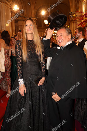 Stock Picture of Elle MacPherson and Richard Lugner