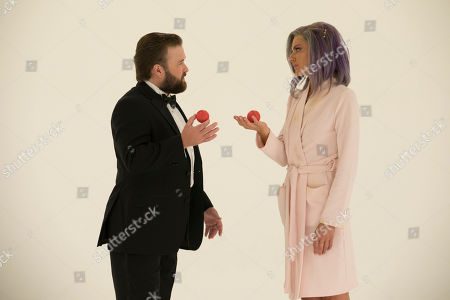 Haley Joel Osment as Stu Camillo and Eliza Coupe as Tiger
