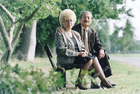 Actor Saeed Jaffrey And His Wife Jennifer. . Rexmailpix.