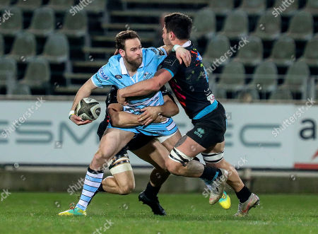 Ruaridh Jackson - Glasgow full back looks to offload the ball during the Guinness Pro14 2018-2019 Round 17 match between Zebre Rugby Club and Glasgow Warriors at Stadio Lanfranchi in Parma on 2 March 2019. Photo: Massimiliano Carnabuci/Fotosport