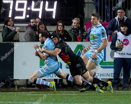 Jamie Elliot - Zebre winger tackles Ruaridh Jackson before the try line during the Guinness Pro14 2018-2019 Round 17 match between Zebre Rugby Club and Glasgow Warriors at Stadio Lanfranchi in Parma on 2 March 2019. Photo: Massimiliano Carnabuci/Fotosport