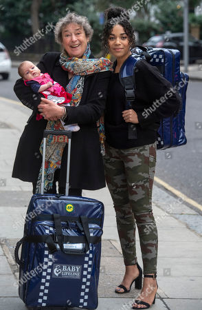 Stock Image of Linda Bassett and Leonie Elliott from BBC's Call the Midwife to launch a new UK standardised home delivery bag for midwives, on behalf of the maternity charity Baby Lifeline.
