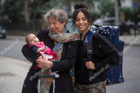 Stock Photo of Linda Bassett and Leonie Elliott from BBC's Call the Midwife to launch a new UK standardised home delivery bag for midwives, on behalf of the maternity charity Baby Lifeline.