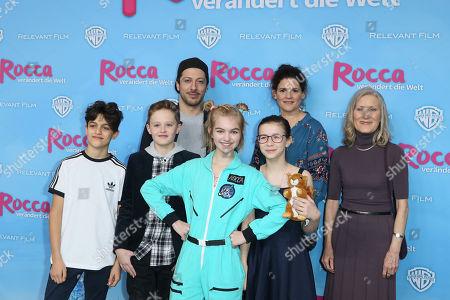 Stock Photo of Fahri Ogün Yardim, Katja Benrath, Caspar Fischer-Ortman, Leo Knizka, Luna Maxeiner, Luise Richter and Hedi Kriegeskotte