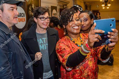 Shola Mos-Shogbaminu takes a selfie with Sue Perkins, David Arnold and Leyla Hussein