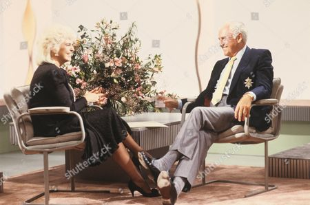 Editorial photo of 'Sunday Sunday'  TV Programme -