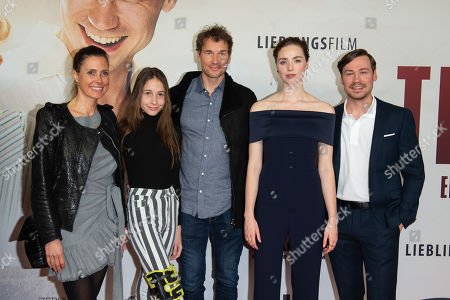 Freya Mavor and David Kross and Jens Lehmann and Frau Conny and Tochter Lieselotta