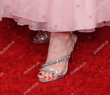 Emily Browning, shoe detail