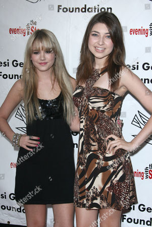 Shelby Young and Taylor Spreitler