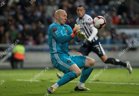 Atlanta United's goalkeeper Brad Guzan in action during a quarterfinals of the CONCACAF Champions League soccer match between Monterrey of Mexico and Atlanta United of the USA at the BBVA Bancomer Stadium in Monterrey, Mexico, 06 March 2019.