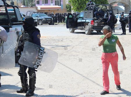Members of the Armed Forces take the main square in the town of Santa Rosa de Lima in Villagran, Mexico, 06 March 2019. The President of Mexico Andres Manuel Lopez Obrador on Wednesday, announced the plan of security forces in the State of Guanajuato to capture Jose Antonio Yepez, mastermind of fuel theft in the region.