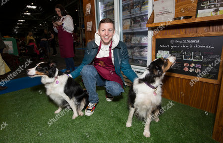 Professor Green visits the Benyfit Natural premium raw dog food stand