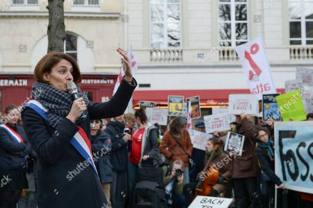Elsa Faucillon Deputy communist Party PCF of Hauts de Seine speaking during the demonstration in front of the National Assembly in Paris, to highlight the climate issue.