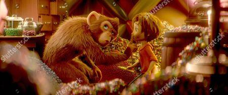 Peanut (Norbert Leo Butz) and June (Brianna Denski)